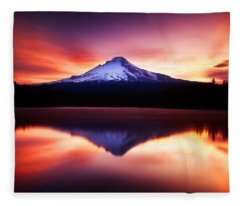Peaceful Morning On The Lake Fleece Blanket