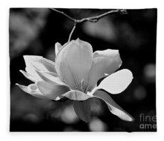 Perfect Bloom Magnolia In White Fleece Blanket