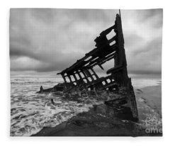 Peter Iredale Shipwreck Oregon 1 Fleece Blanket