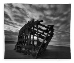 Peter Iredale Shipwreck Black And White Fleece Blanket