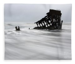 Peter Iredale Shipwreck Oregon 2 Fleece Blanket