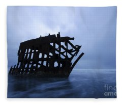 Peter Iredale Shipwreck Oregon 3 Fleece Blanket
