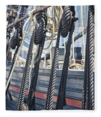 Pulley And Stay Fleece Blanket