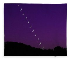 Purple Moon Setting In West Fleece Blanket