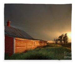 Red Barn At Sundown Fleece Blanket