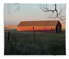 Red Granary Barn Fleece Blanket