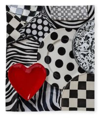 Red Heart Plate On Black And White Plates Fleece Blanket