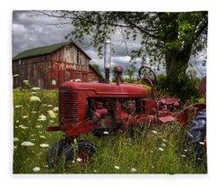Reds In The Pasture Fleece Blanket