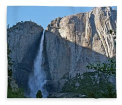 Rising Sun At Upper Yosemite Falls Fleece Blanket