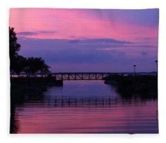 Shoreline Park At Dusk Fleece Blanket
