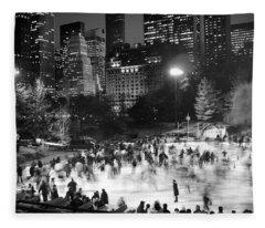 New York City - Skating Rink - Monochrome Fleece Blanket