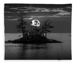 Small Island At Sunset In Black And White Fleece Blanket