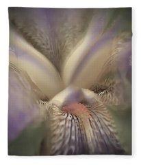 Soft Iris Flower Fleece Blanket
