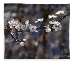 Spring White Blossom Fleece Blanket