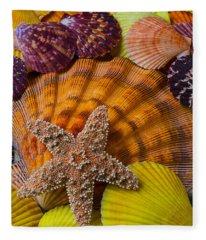 Starfish With Seashells Fleece Blanket