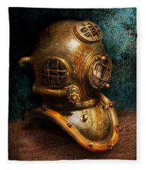 Steampunk - Diving - The Diving Helmet Fleece Blanket