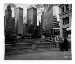 Summer On The Chicago River - Black And White Fleece Blanket