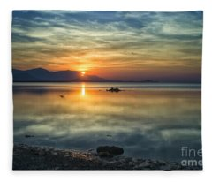 Sun Reflection Fleece Blanket