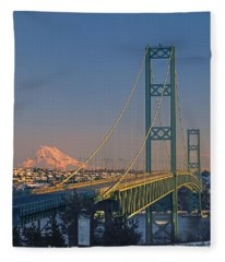 1a4y20-v-sunset On Rainier With The Tacoma Narrows Bridge Fleece Blanket