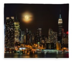 Super Moon Over Nyc Fleece Blanket