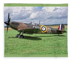 Supermarine Spitifire 1a Fleece Blanket