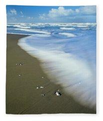 Surf Washes Onto Umpqua Beach Fleece Blanket