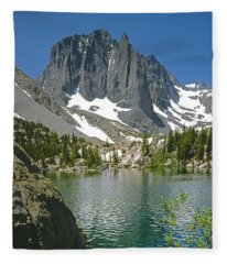 2m6437-temple Crag Fleece Blanket