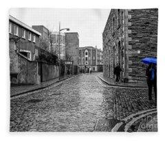 The Blue Umbrella - Sc Fleece Blanket