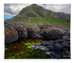 The Giant's Causeway - Peak And Pool Fleece Blanket