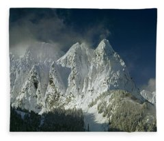 1m4503-three Peaks Of Mt. Index Fleece Blanket