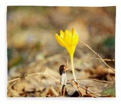 Thumbelina And The Crocus Fleece Blanket