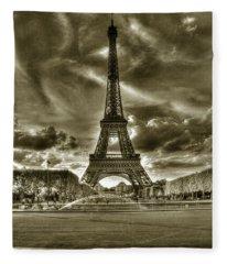 Tour Eiffel  Fleece Blanket