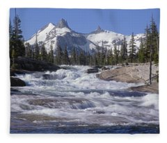 6m6539-tuolumne River  Fleece Blanket