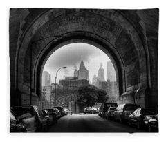 New York City - Manhattan Bridge - Under Fleece Blanket