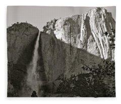 Upper Yosemite Falls Composition In Triangles Fleece Blanket