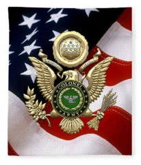 U. S. Army Colonel - C O L Rank Insignia Over Gold Great Seal Eagle And Flag Fleece Blanket