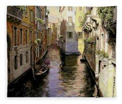 Venezia Chiara Fleece Blanket