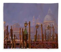 Venezia E La Nebbia Fleece Blanket