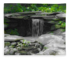 Verde Falls Fleece Blanket