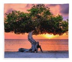 Watapana Tree - Aruba Fleece Blanket