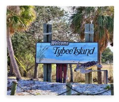 Welcome To Tybee Fleece Blanket