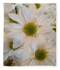 White Daisies Fleece Blanket