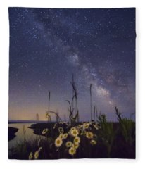 Wild Marguerites Under The Milky Way Fleece Blanket