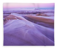 Winter Carves And Decorates The Umpqua Fleece Blanket