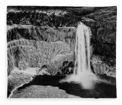Winter Palouse Falls 3 Fleece Blanket