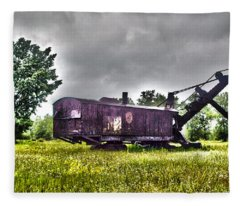 Yesteryear - Hdr Look Fleece Blanket