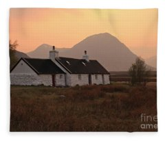 Black Rock Cottage Sunset Fleece Blanket
