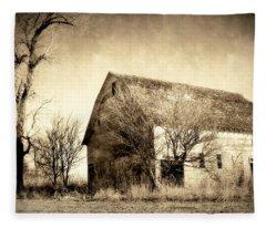 Block Barn Fleece Blanket