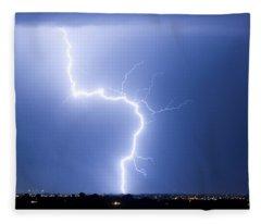C2g Lightning Strike Fleece Blanket