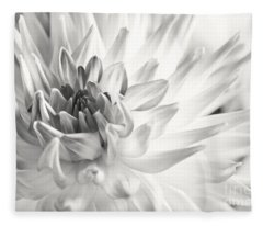 Dahlia Flower 02 Fleece Blanket